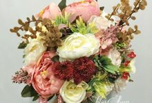Artificial Hand Bouquet by Jolie Flowers