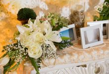Elegant blush and white decor by Lily Florist & Decoration