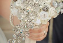 Teardrop Button & Brooch Bouquet by I Heart Buttons