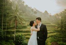 Bali Engagement by Punyan Photography