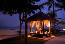 Romantic Dinner by Conrad Bali