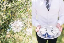 Romantic wedding with a symbolic ceremony in Lucca through the olives of the Tuscan countryside by PURE wedding photography