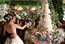 Cutting Cake Moment by RR CAKES