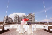 Customrized Yacht Wedding by Story Wedding pte.ltd