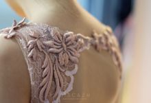 DUSTY PINK EMBROIDERY LACE DRESS for Sister by Sisca Zh