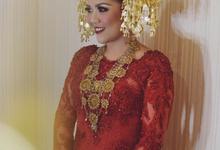 Baralek Gadang of Deilla & Adi by SVARNA by IKAT Indonesia Didiet Maulana