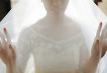 The Bride Behind Her Veil by Choi Alcabasa Photography