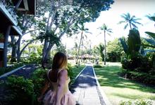 Honeymoon in Hotel Mulia by Wander Weddings