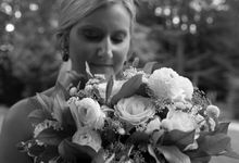 Outdoor Michigan Wedding by Photography by Collette