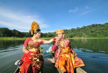 balinese prewedding costumes by Tjandra Photography Wedding Experience