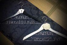 Western Wedding Hanger Set by Thy Wedding Journal