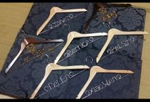 Personalized Mr & Mrs Bridal Hangers Bridesmaid Hangers by Thy Wedding Journal
