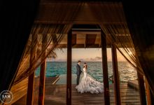 Ten years Anniversary in Maldives by Sam Photo