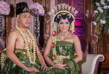 Iput & Oki Wedding by mrenofan photography