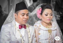Sri & Arip Wedding by mrenofan photography