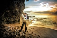 PREWEDDING PHOTO WITH SUNSET ON THE BEACH CONCEPT by Gaifang Bridal