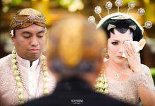 Muthia & Basuki by REZA PRABOWO PHOTOGRAPHY