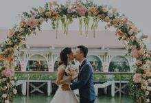 Xavier and Hui Chin by Florals by Benita