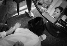 When an English gentleman meets a woman from Downunder by Feelm Fine Art Wedding Photography