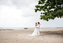 Perfect Beach Photo Shoot by Botanica Weddings