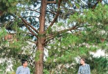 Noel+Faith E-Session by Raulff & Kaye Photography