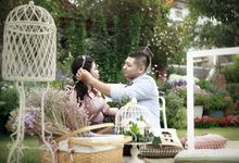Rinaldi & Levina Prewedding by PhiPhotography