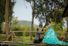 Samuel & Shelly Prewedding session by PhiPhotography