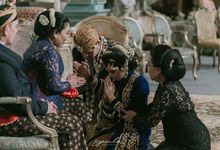 Sungkeman Traditional Wedding of Indah & Bei by Speculo Photo