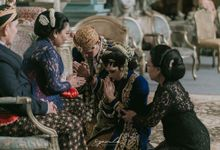 Sungkeman Traditional Wedding of Indah & Bei by Speculo Weddings