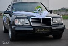 Wedding Car Retro by Volksgraph