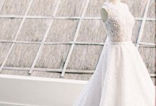 Intimate Beachfront Wedding by Flawless Pictures