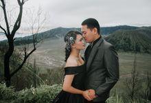 Prewedding Fajar & Anggie at Bromo by RumahKita Productions