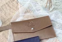 Envelop Pouch for Nando & Elleonora by Memoire Souvenir
