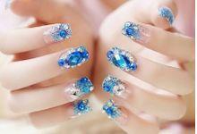 nail art- 24 pcs kuku palsu dengan warna Biru laut dan permata biru by Triwindu shop