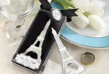 Bottle Opener Favors by Mrs. Favors Souvenir