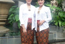 The Wedding of Putri & Andrie by Adara Pager ayu