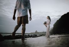 Adi & Ayu Couple Session by MOMENTO PHOTOGRAPHY