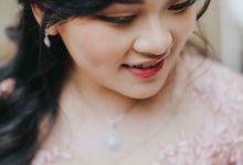 Oline and Hatta Sangjit by Lumilo Photography