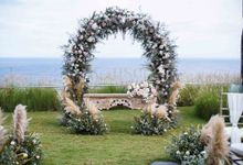 Cliff Wedding Decoration by Konsep Sejiwa