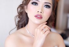 reception look Mrs sasa by Agnes Yosi Make Up Artist