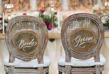 Bold burgundy by AiLuoSi Wedding & Event Design Studio