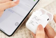 Engraved Wireless Earphone by PORTÉ by Clarin