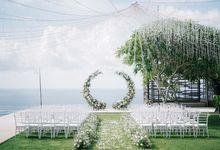 Intimate Natural Greenery Wedding at Alila Uluwatu Villa by Silverdust Decoration