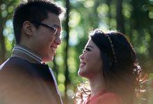 Hansen & Tia Engagement Portrait by Antonio Edo Photography