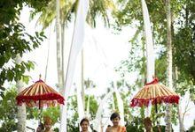Ocean Front Wedding by Alila Manggis