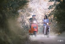 Prewedding Naik Vespa by Aloka Bali