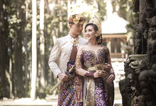 BALINESE TRADITIONAL DRESS by Aloka Bali