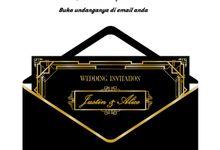 BLACK IN GOLD CLASSIC FRAME by Invitaline