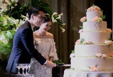 AN UNDERSTATED WEDDING ADORNED WITH GREENERY by Floral Magic