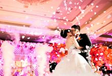 Courtessy Signature Wedding of Angela & Handy by ThePhotoCap.Inc